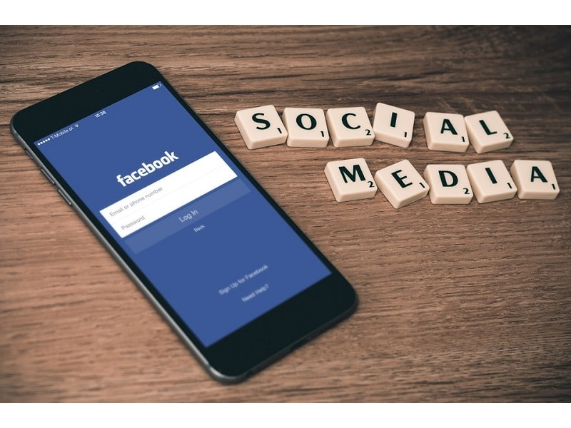 Facebook Apps for Managing your College Group